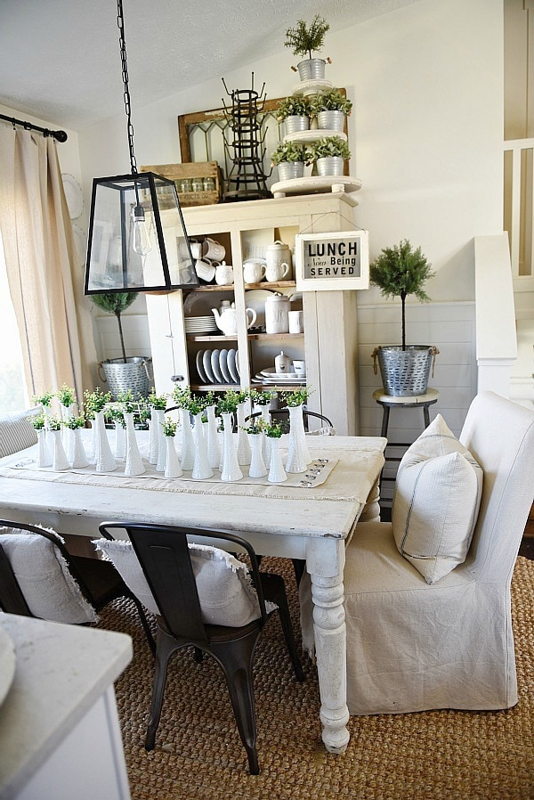 Simple Spring Decor – One Look Styled Two Different Ways