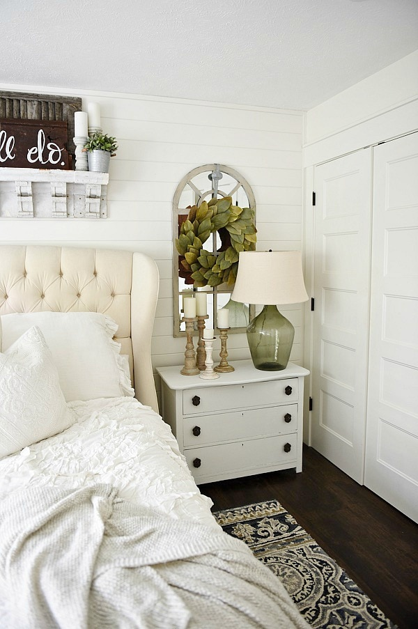 5 tips & tricks on how to decorate your home for summer - Great tips on how to get your home summer ready! Great source for farmhouse decor tips & tricks!
