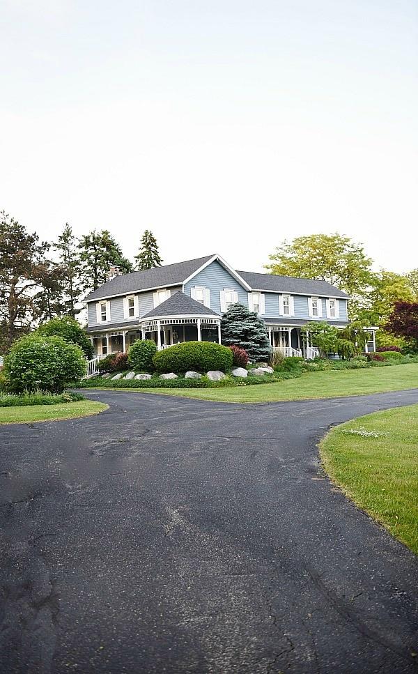 LizMarieBlog.com farmhouse - the beginning