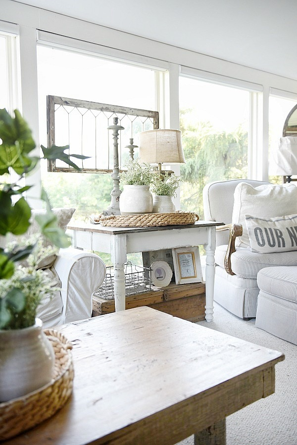White Farmhouse End Table