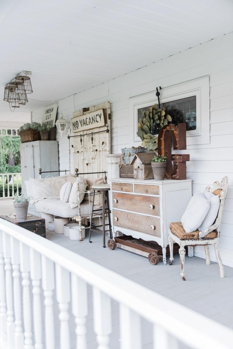 Late summer farmhouse porch liz marie blog for Country farmhouse blog