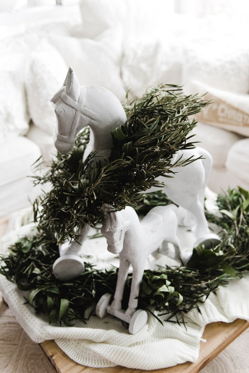 , Chalk Paint Christmas Decor Makeover