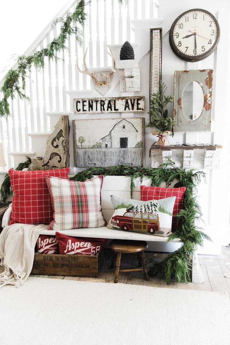 Rustic Christmas Farmhouse Entryway