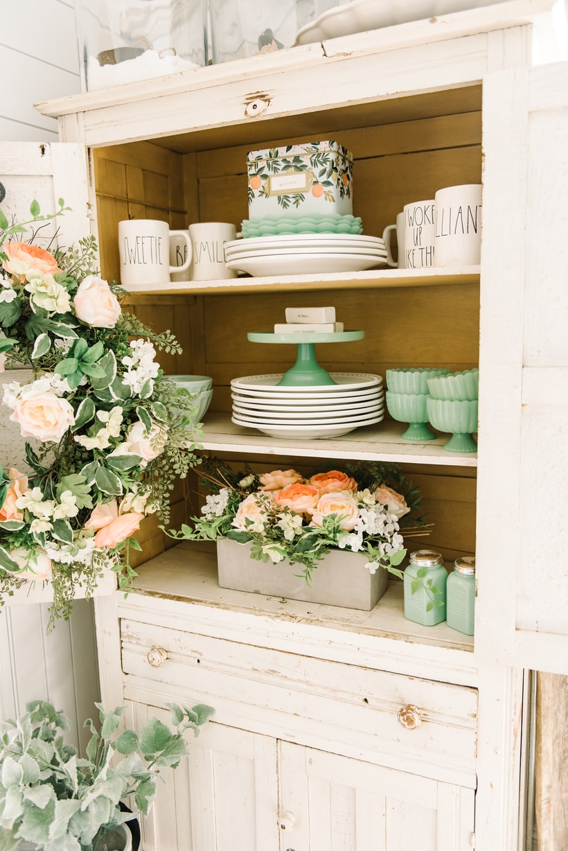 , Cheerful Spring Farmhouse Dining Room