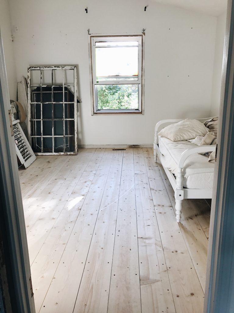 , Downstairs Guest Bedroom Makeover- The Floors