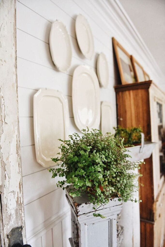 , The Easiest Way To Hang A Plate Wall