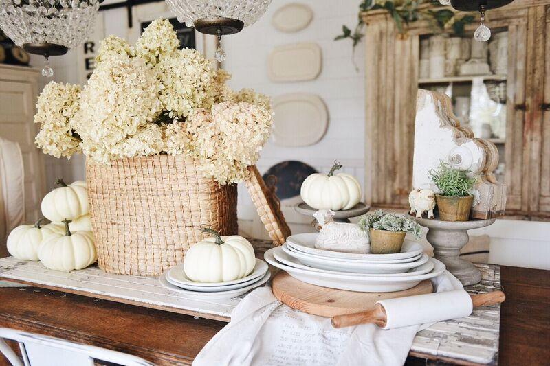 Fall decorating ideas, Dried Hydrangea Fall Tablescape