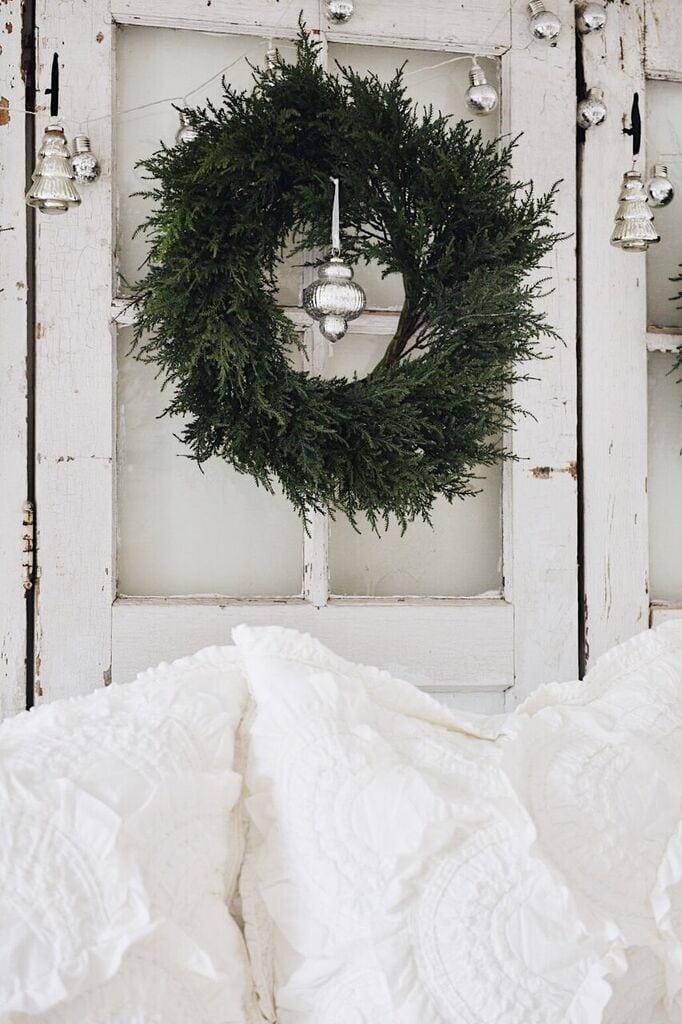 , Rustic Cozy Christmas Bedroom