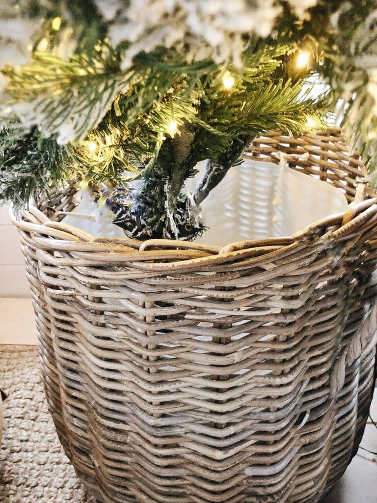 How to style a Christmas Tree in a Basket, How To Style A Christmas Tree In A Basket