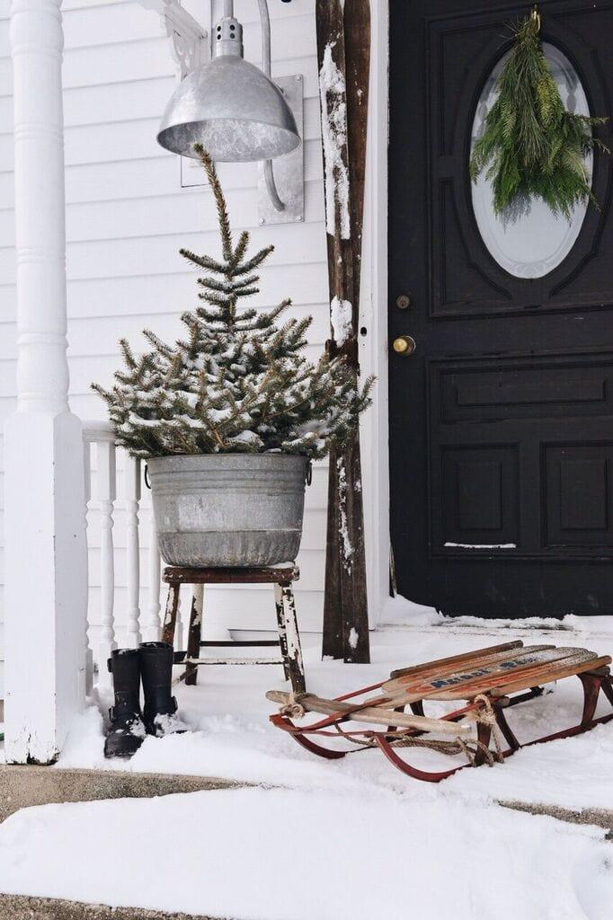 farmhouse christmas stoop, Farmhouse Merry Christmas Stoop