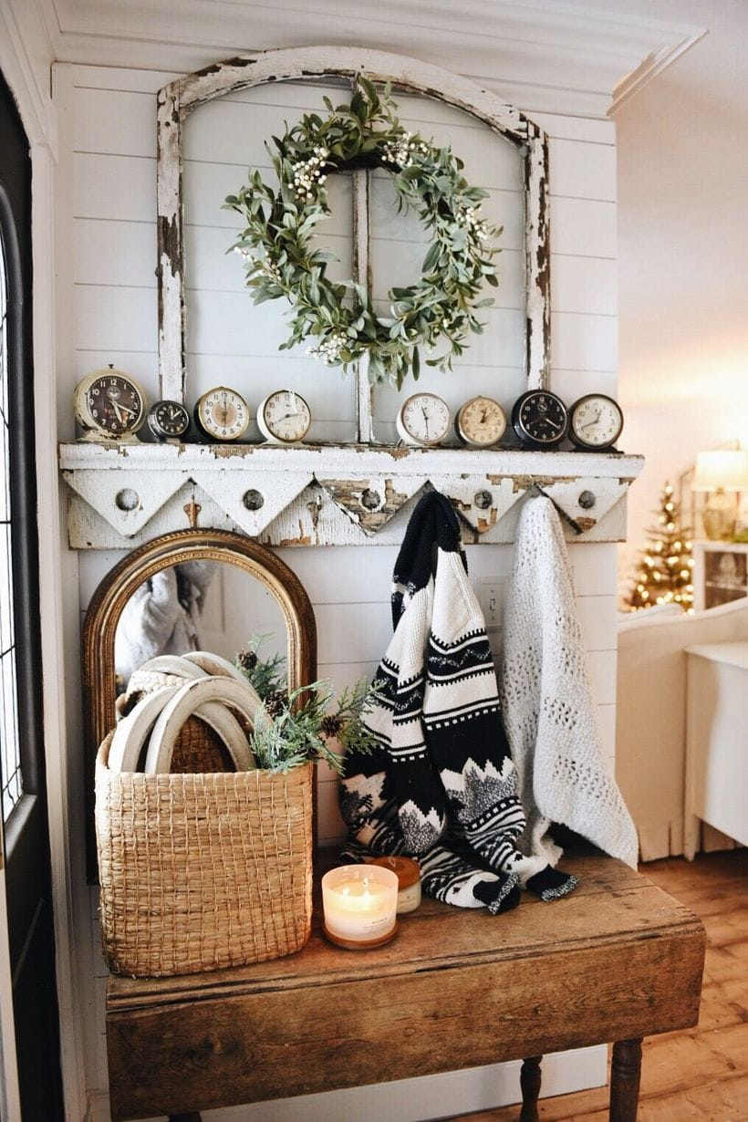 Cozy Farmhouse Christmas Entryway
