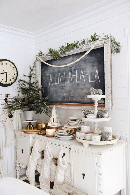 Simple Christmas Decor, Simple Cottage Christmas Decor – Video Tour