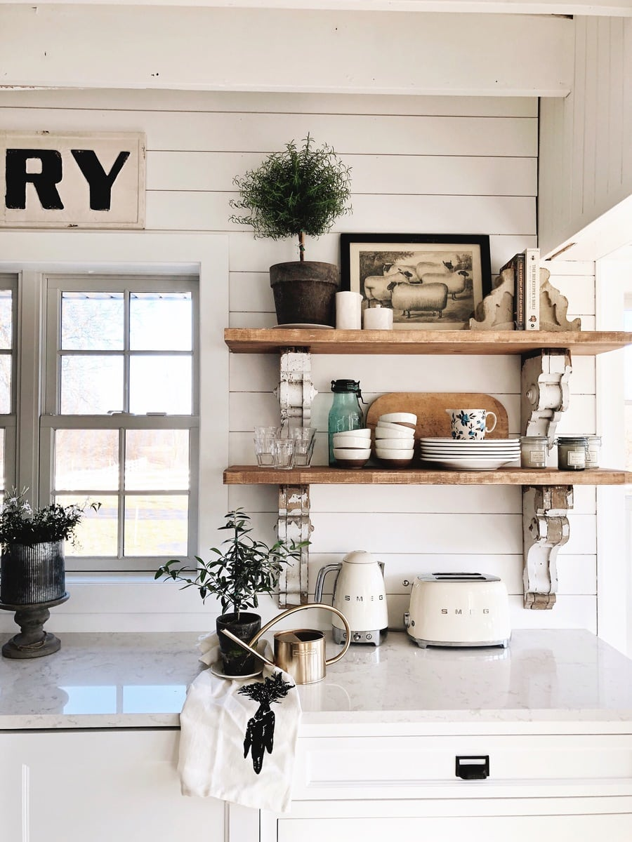 The Benefits Of Open Shelving In The Kitchen: Cottage Style Kitchen Shelves