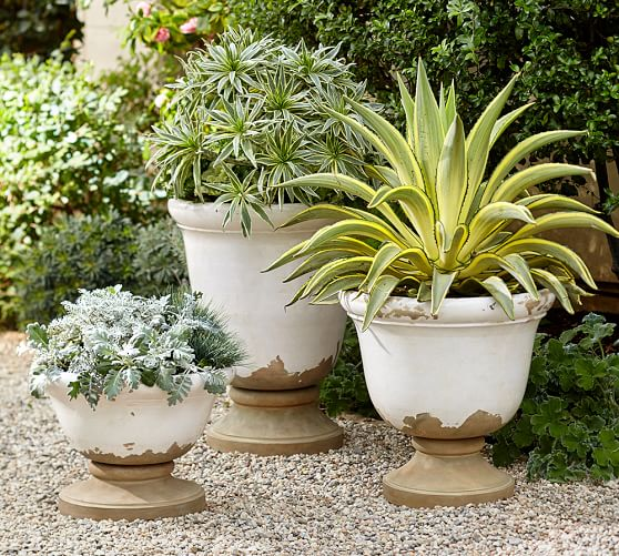 30+ Farmhouse & Cottage Style Planters
