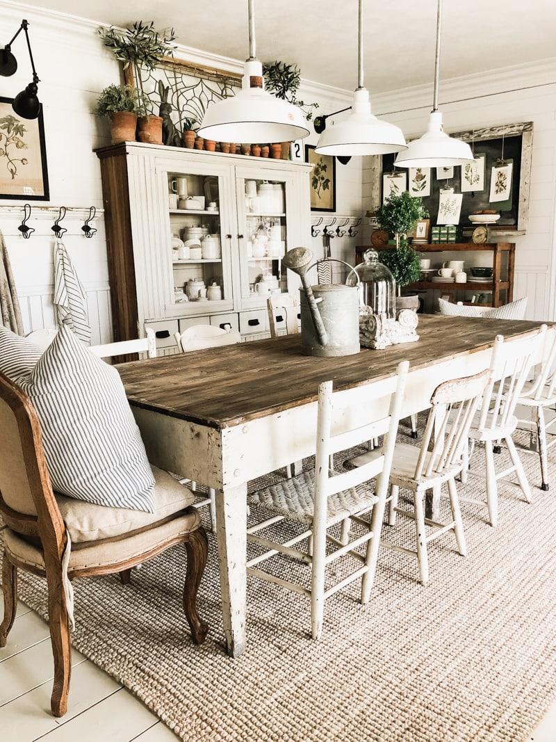 cozy farmhouse dinning room