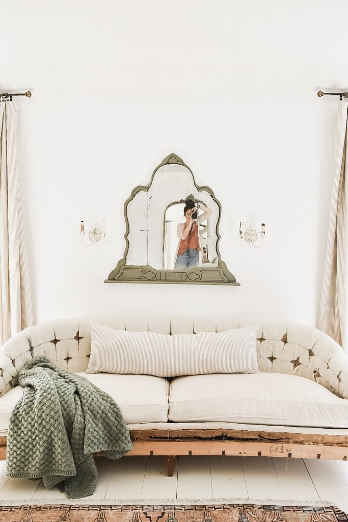 antique mirror, An Antique Mirror In The Bedroom