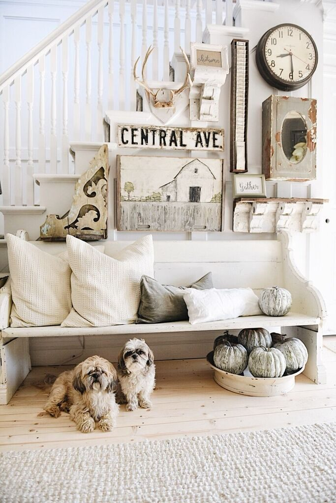 fall decor entryway