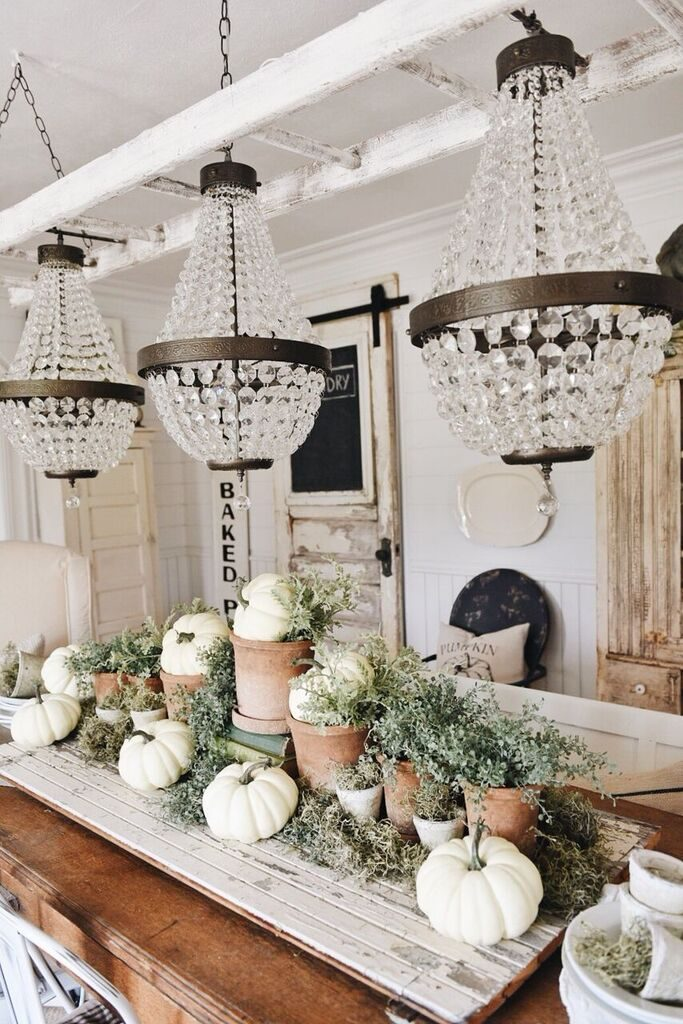 farmhouse dining room fall decor
