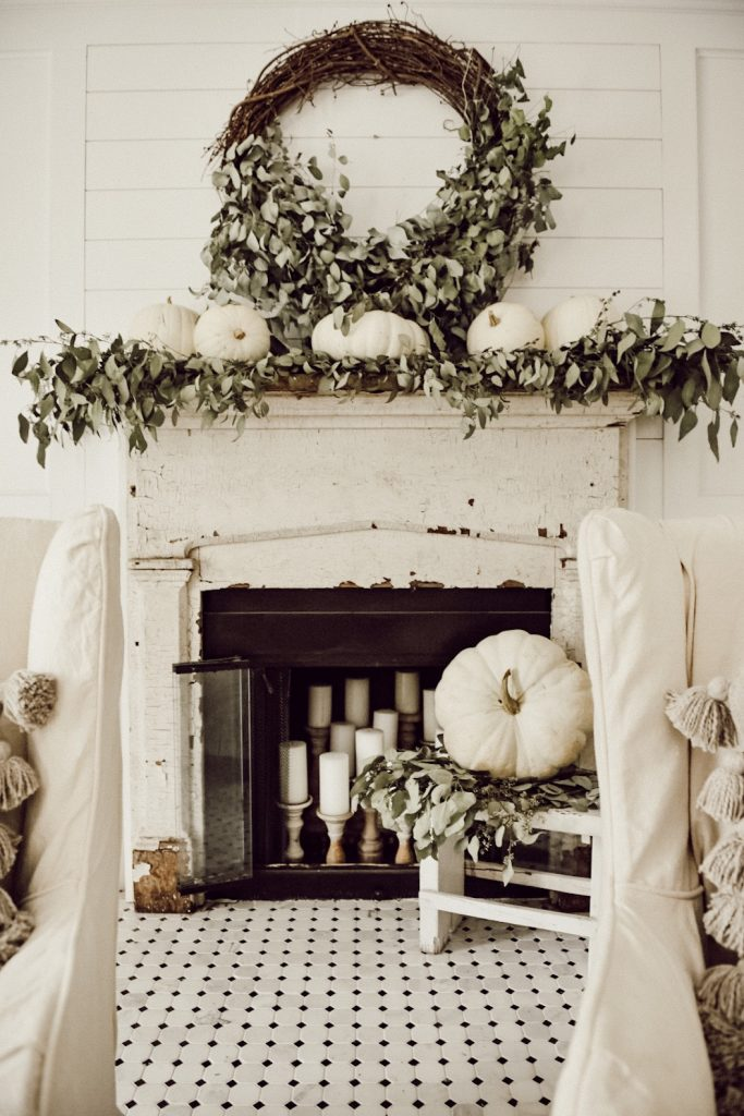, A Very Neutral Fall Mantel