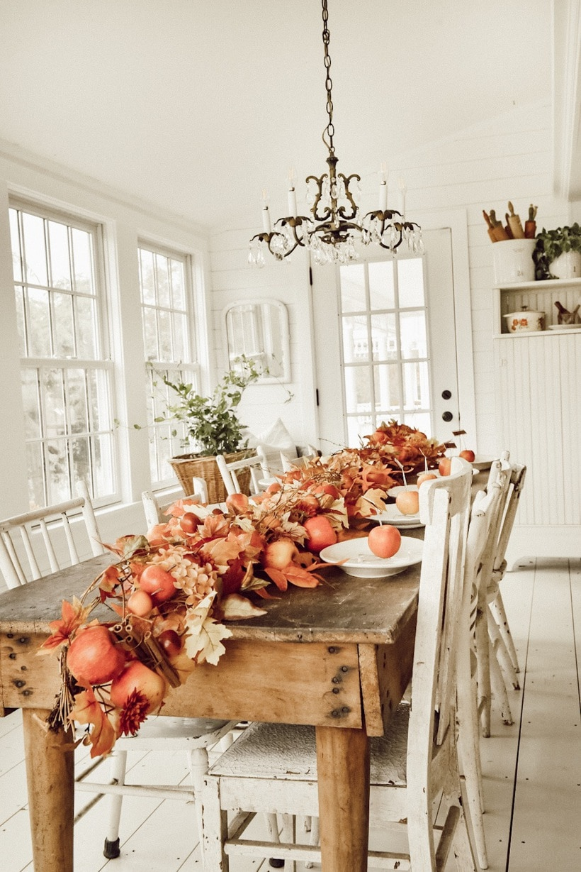Simple Farmhouse Thanksgiving Tablescape