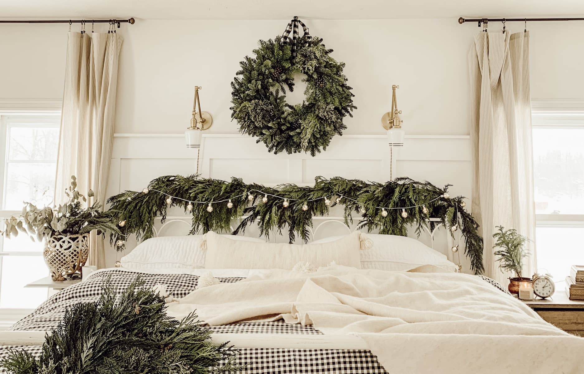 Cozy Cottage Christmas Bedroom