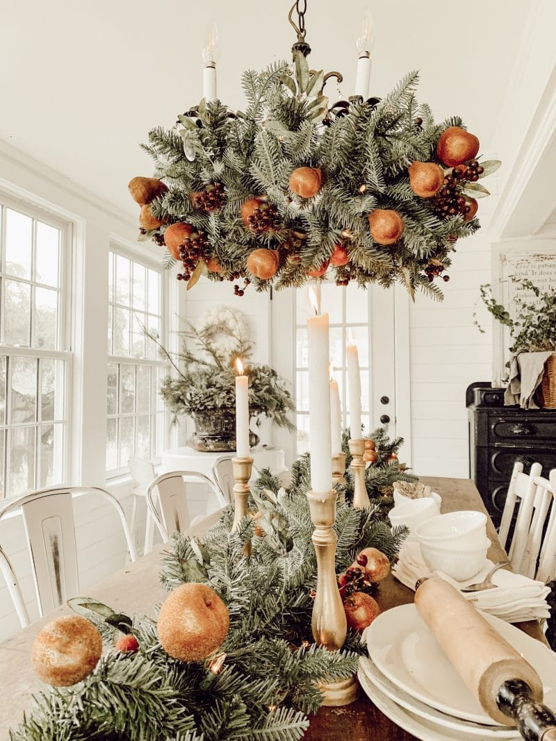 A Simple Christmas Tablescape