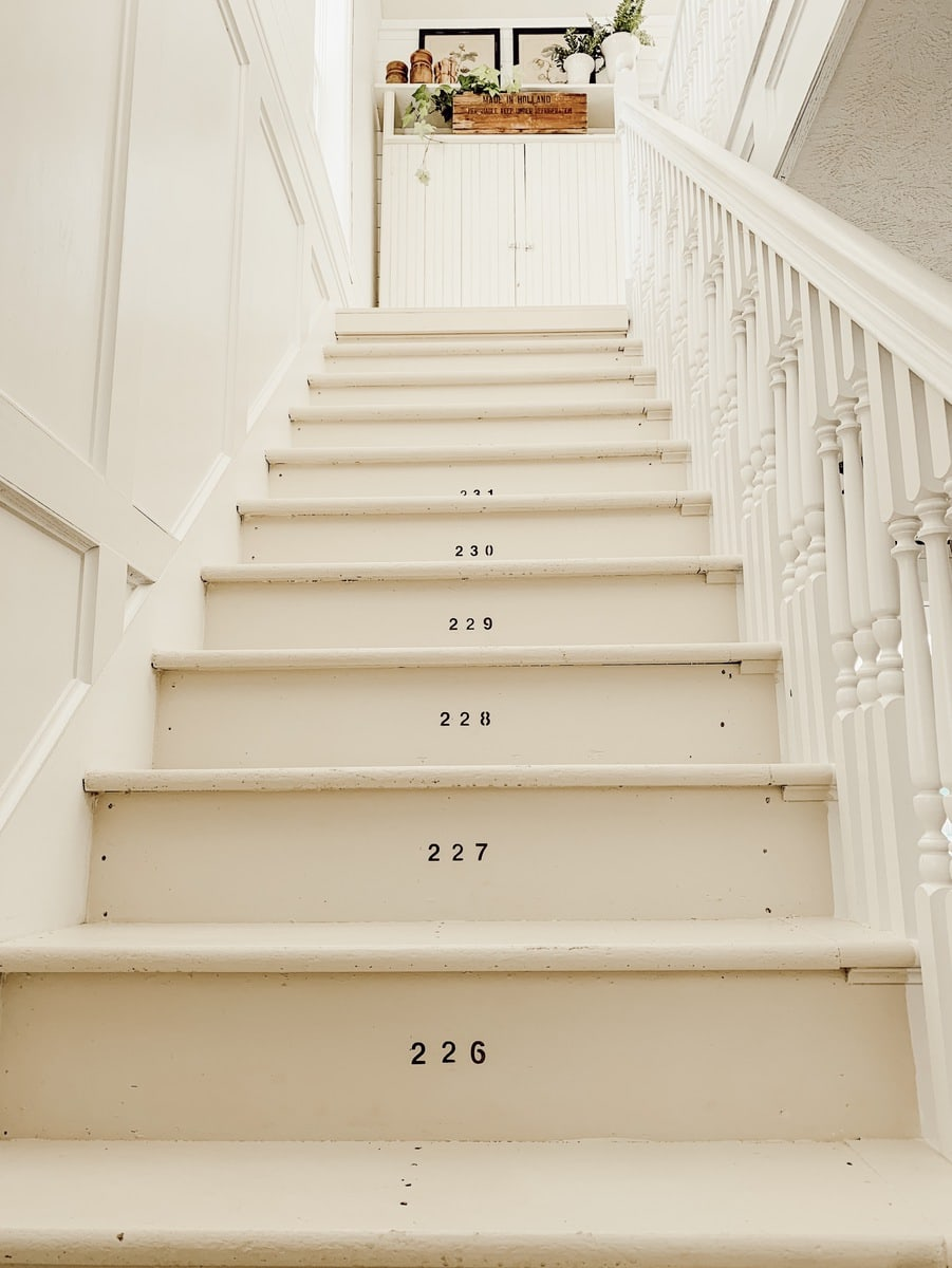 Numbered Stairs – Farmhouse Stairway Makeover