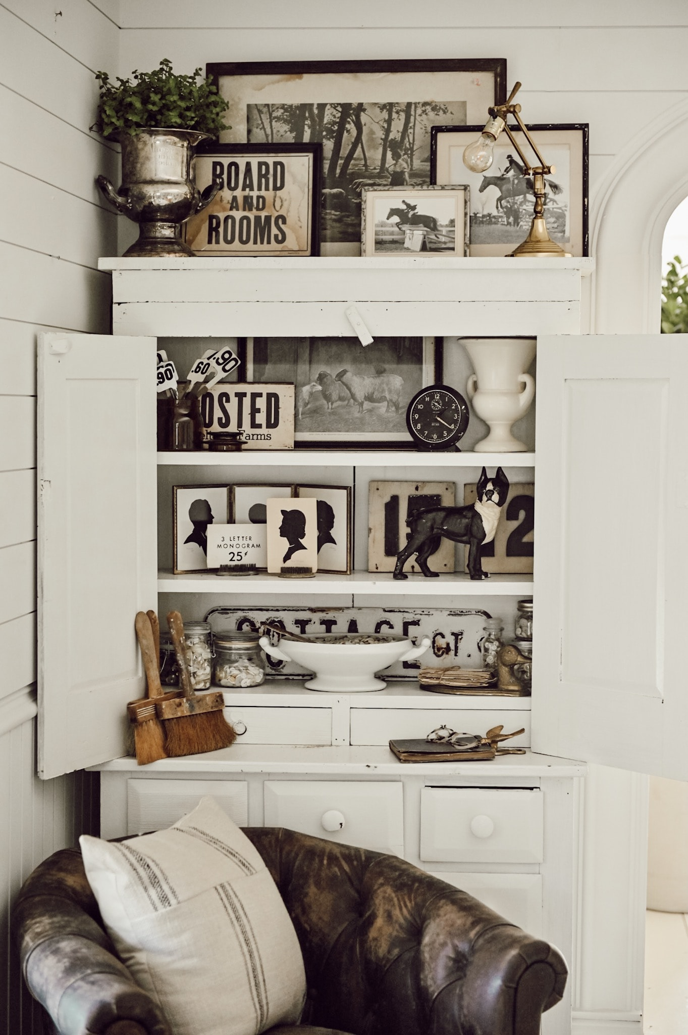 How To Display Collections: Monochromatic Styling