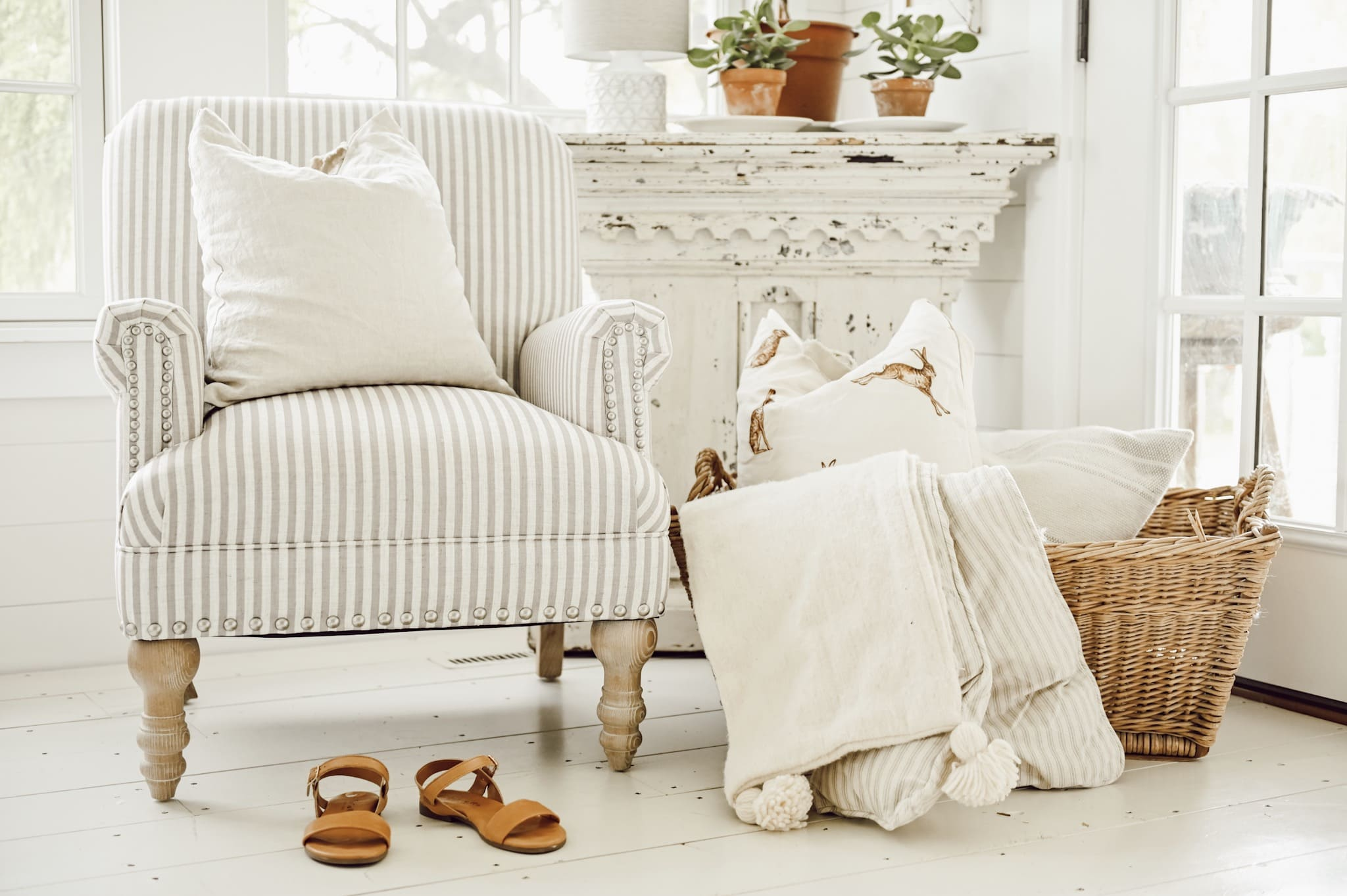 Cozy White Cottage Book: Getting Started