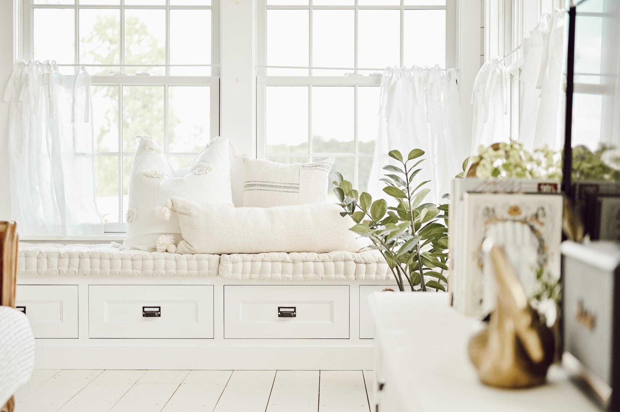Cozy & Comfy Farmhouse Sunroom