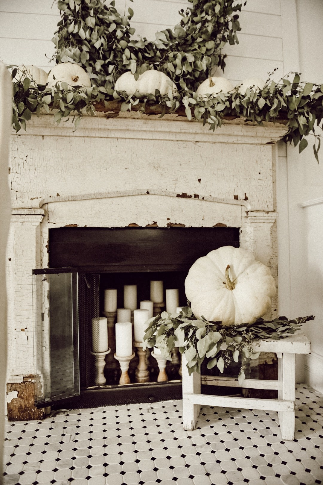 Fall Decor Mantel and Fireplace