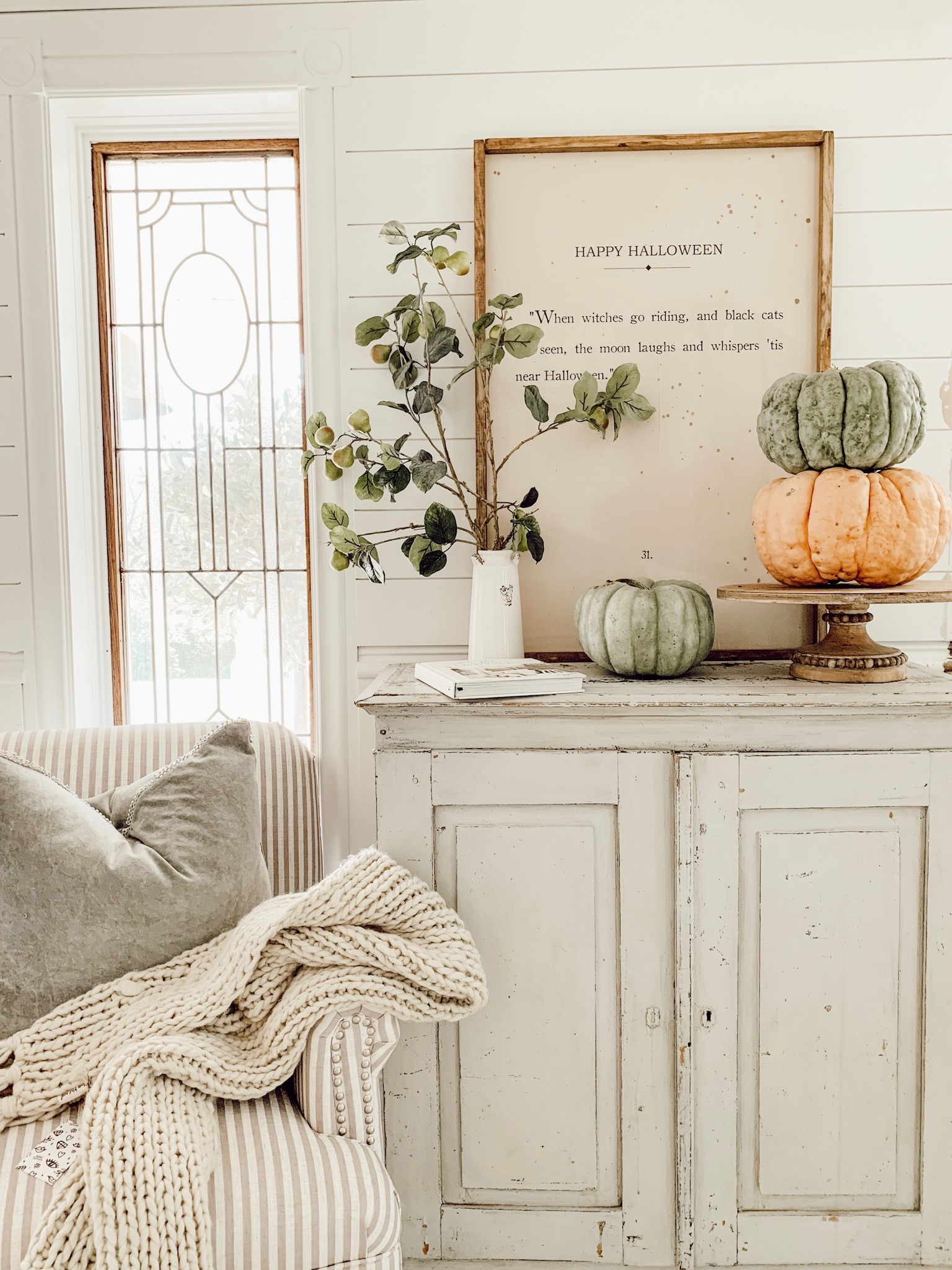 cozy fall reading nook