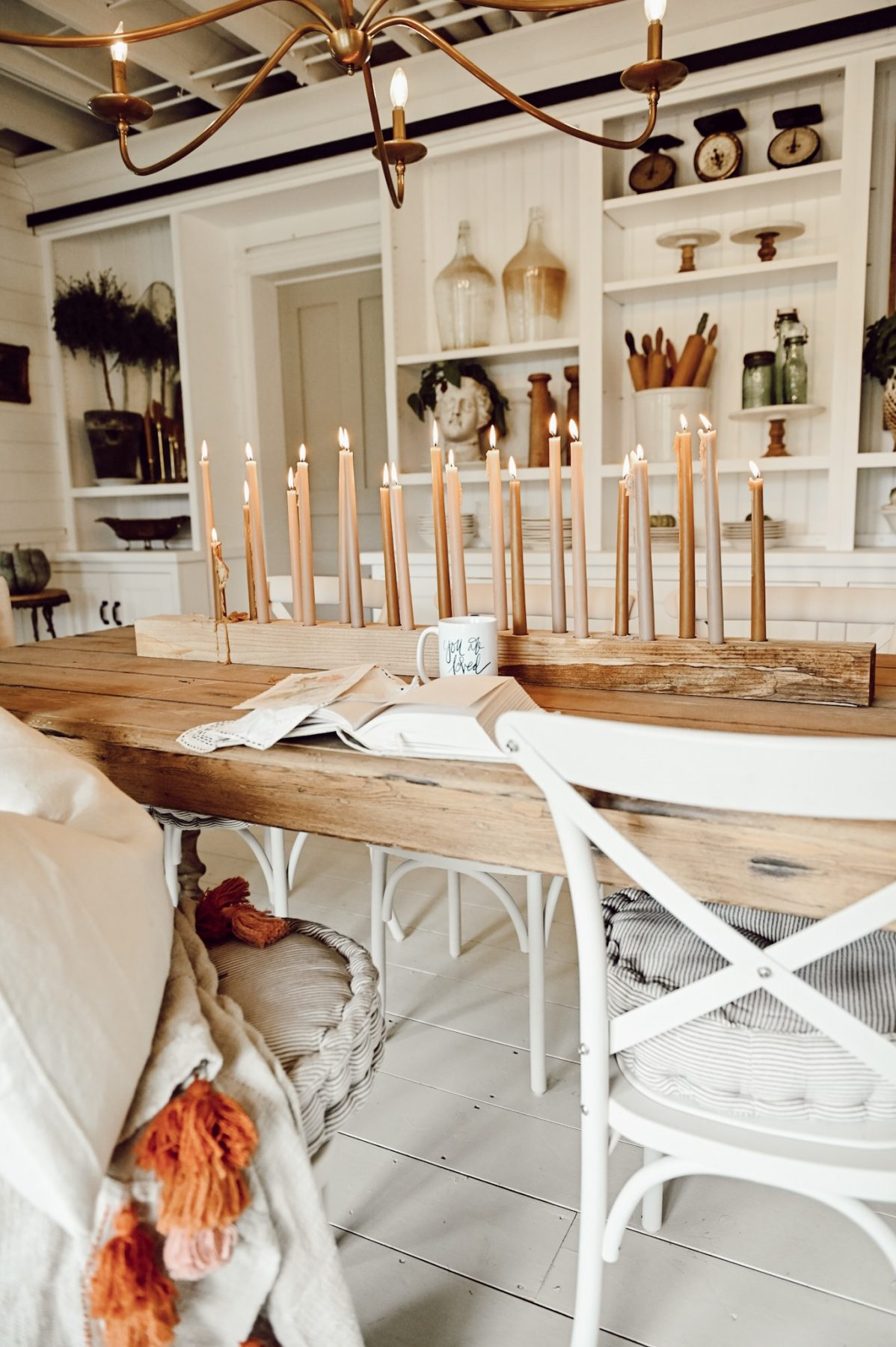 Simple and Easy Candlestick Centerpiece
