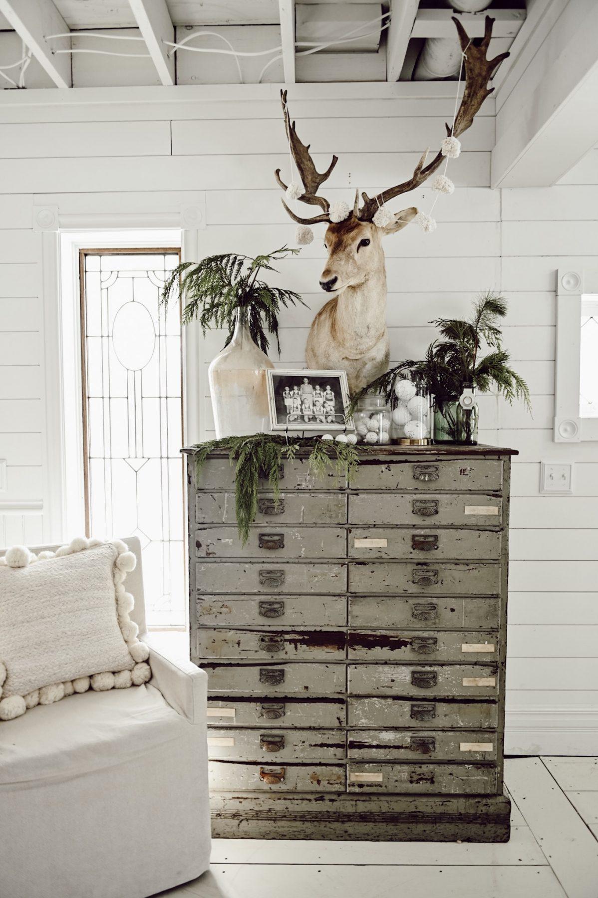 Vintage Christmas Deer Vignette