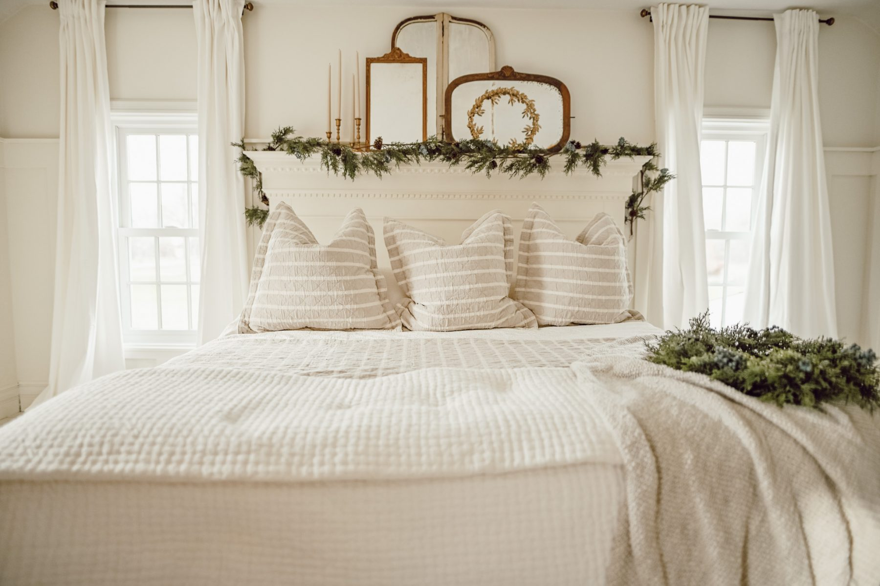 Cottage Style Christmas bed