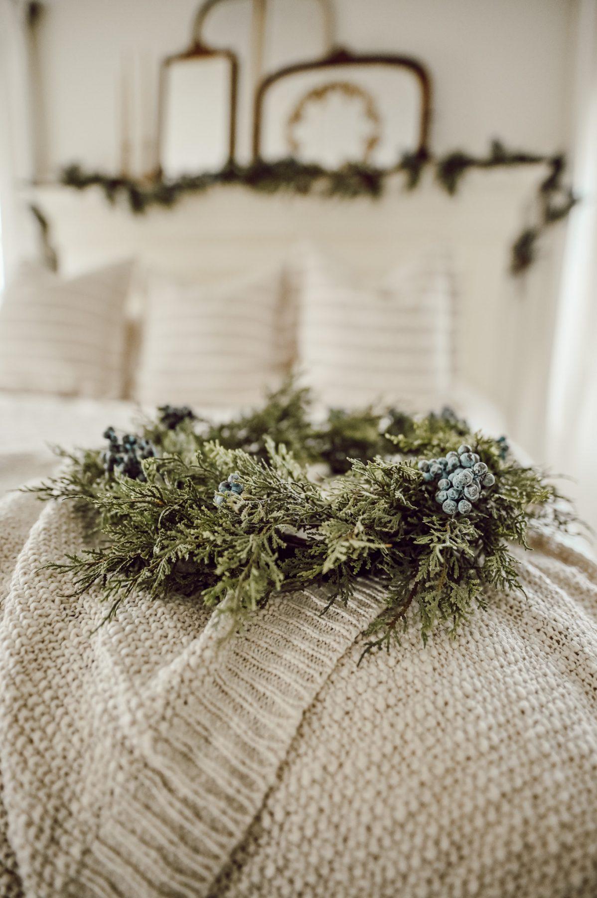 Farmhouse Christmas Bed