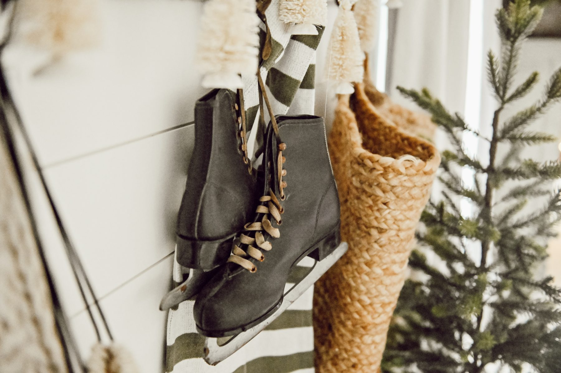 Simple & Easy Winter Entryway