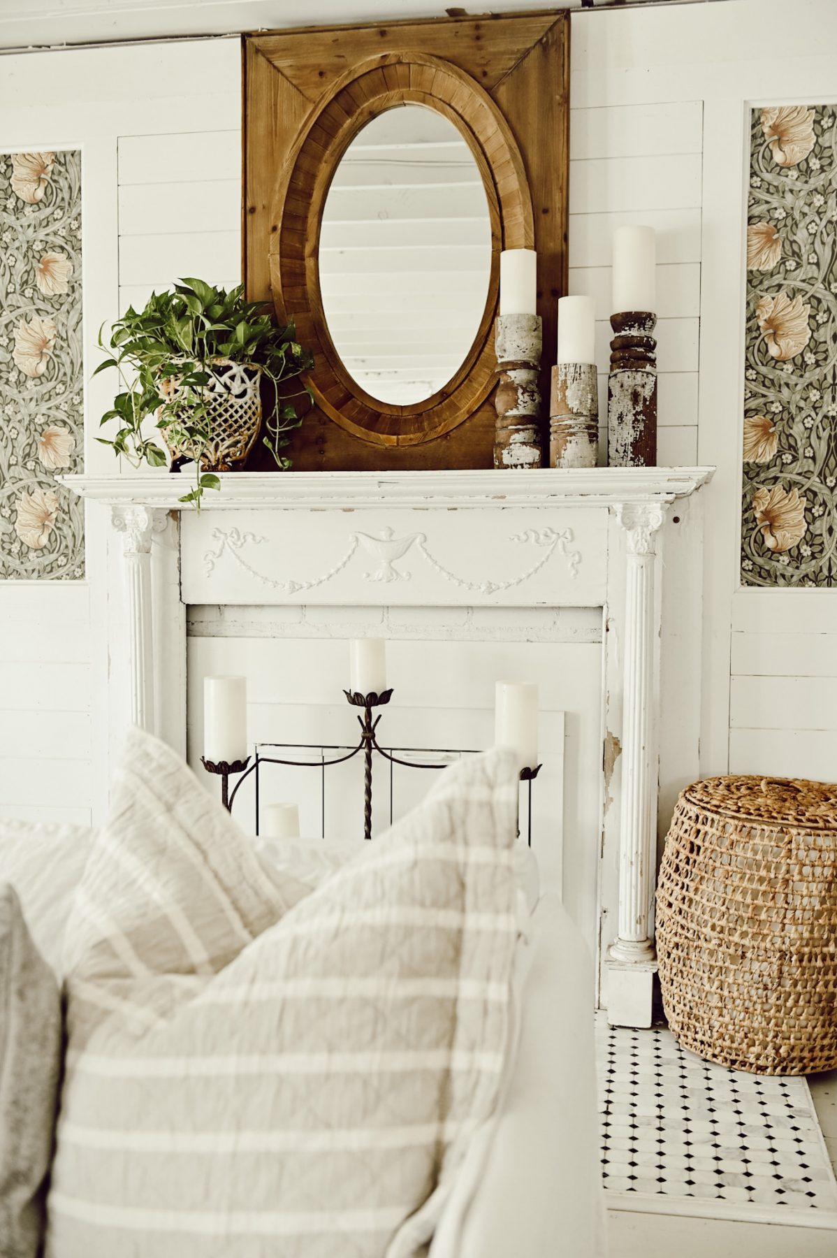 A Very Simple & Fresh Mantel