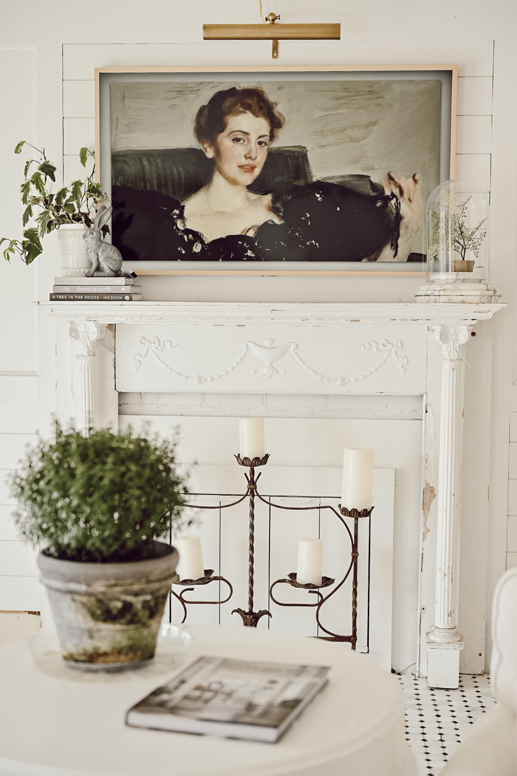 Farmhouse Fireplace Mantel with Samsung Frame TV and Art Light
