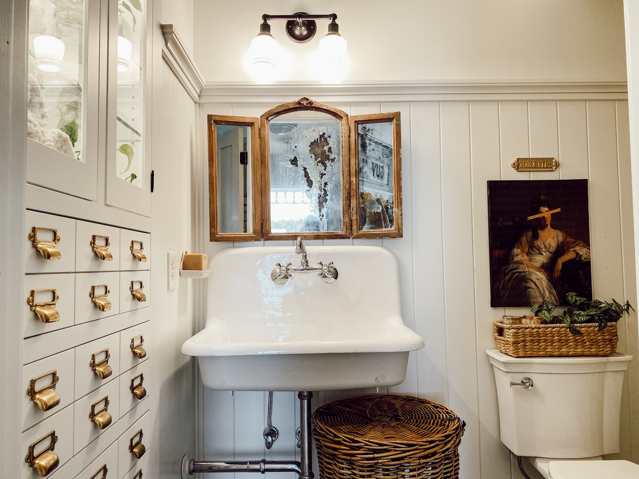Cozy Cottage Bathroom Refresh