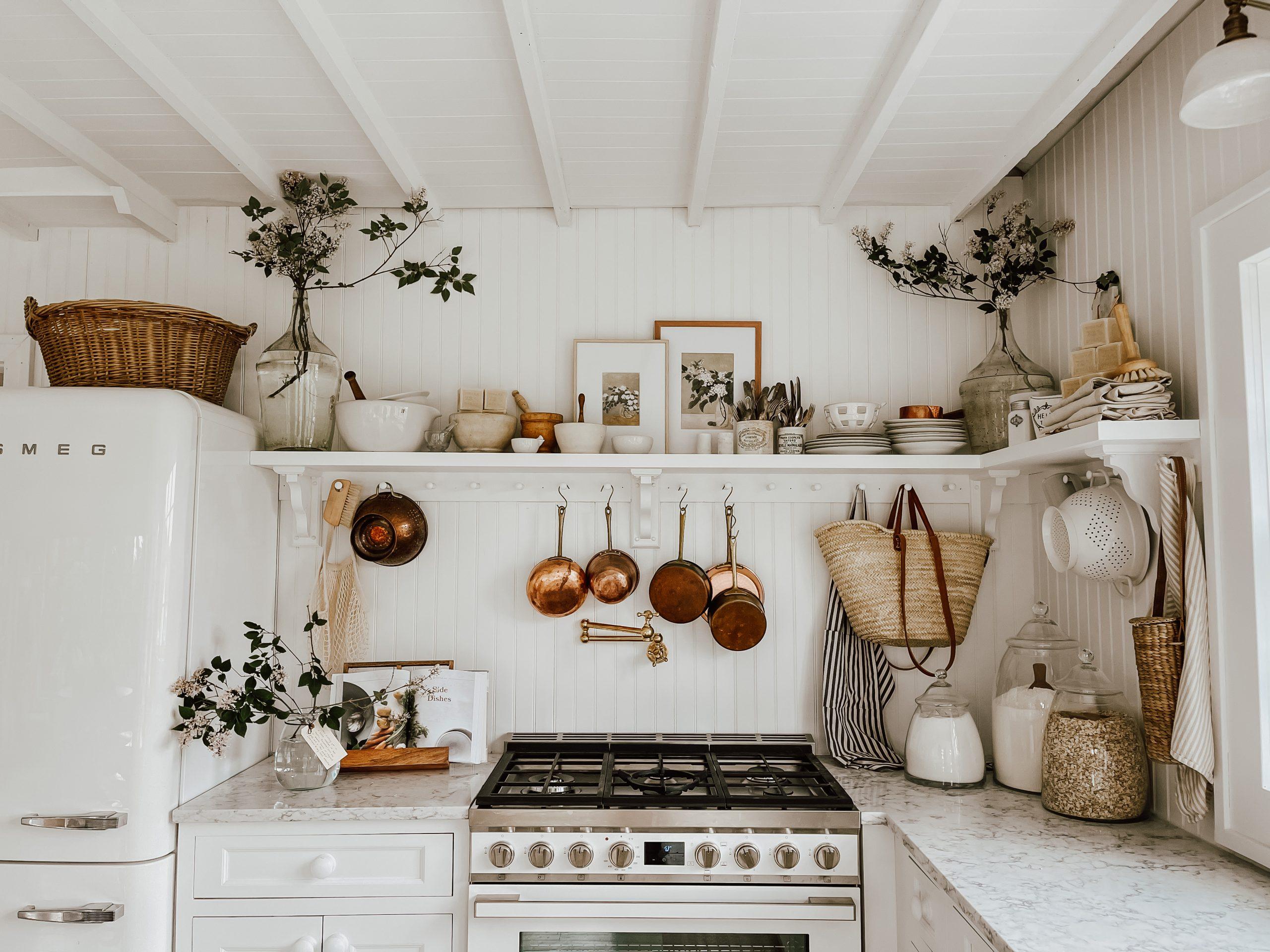 Cozy Kitchen Shelf Styling