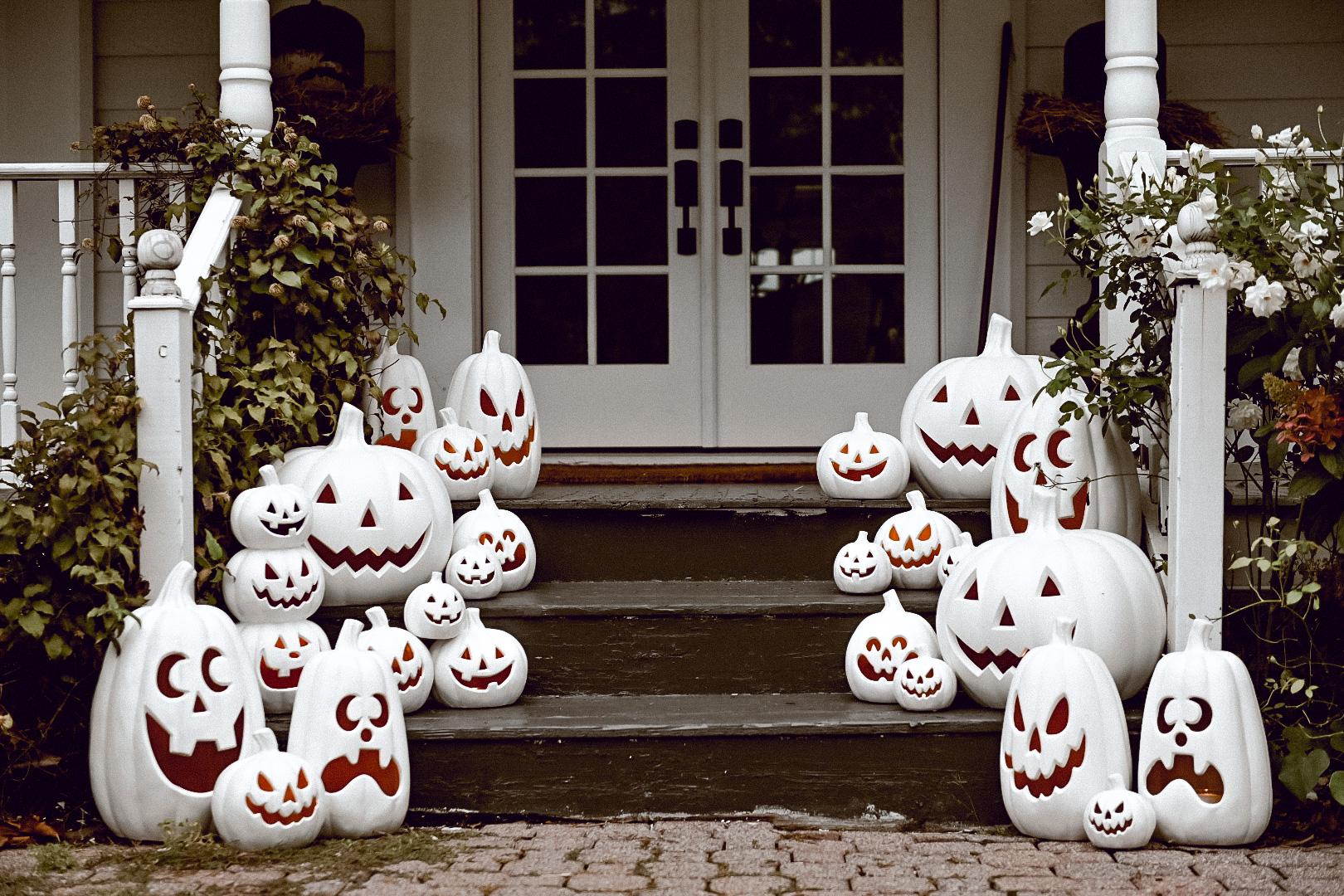 Simple Halloween Pumpkin Porch Steps